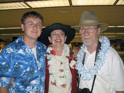 2005 arriving at the Hawaii airport.