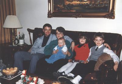 Xmas 1987 - Family pic taken at Nanny & Grandpa's house