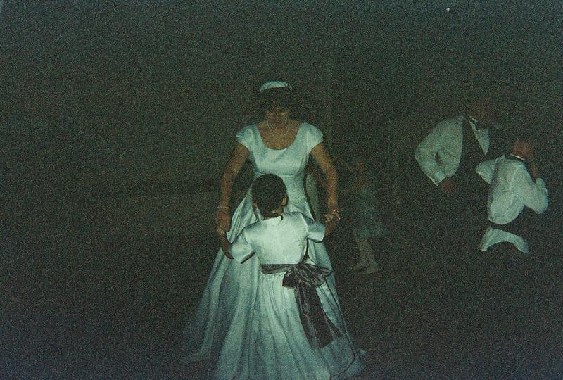 David_and_Sinead's_Wedding_5-22-1999-78