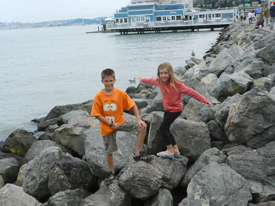 Austin and Sofia on the rocks in Sausalito
