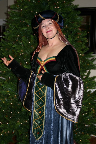 Our Christmas season began with the Renaissance Pageant at the Middletown United Methodist Church.  The audience is invited to come in costume.  Linda, of course, could not would not pass up the opportunity!