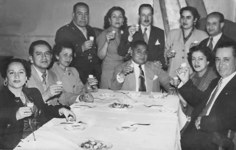 Tios:  Mi abuela, mi abuelo, mis tios Semira, Antuco, Grover, Ali,  Beni...