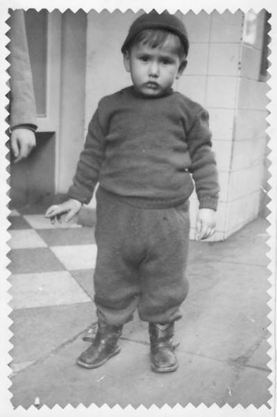 Con mucho cari~o para mi tia Tiny, Pepito.