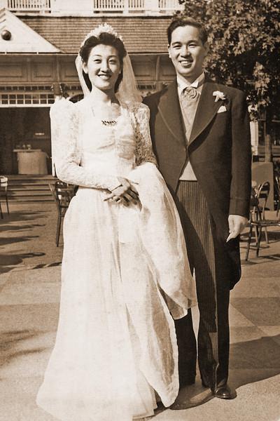 Mom photos for Peter 0050001-sepia
