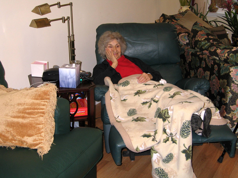 In 2004, Diane sold her San Jose house and moved to Magalia, near Paradise, California. This picture is dated 2004-11-30. Dad had died in 2000, so Mom lived with Diane until Diane moved to Mexico in 2008. At that point Mom stayed in a special home in the same room with her older sister Beatrice Thomas, her cousin Tom's mother, in Southern California. Diane was able to be with her often.