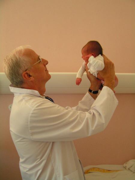 Pediatra francés. Todo en orden