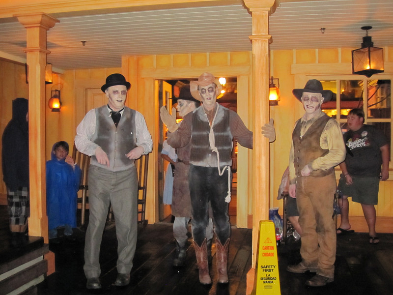 Dapper Cadeavors singing in Frontierland at Mickey's Not So Scary Halloween.
