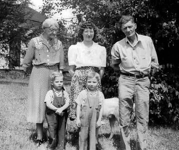 Left to right: Cora Mowen (Don's Great Grandmother & Leland's Mother), Donny Lee, Dorothy Lee, Bobby Lee, Leland Mowen
