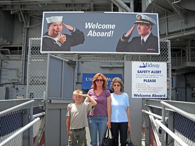 Dori, Laura and Matthew on Midway 2009