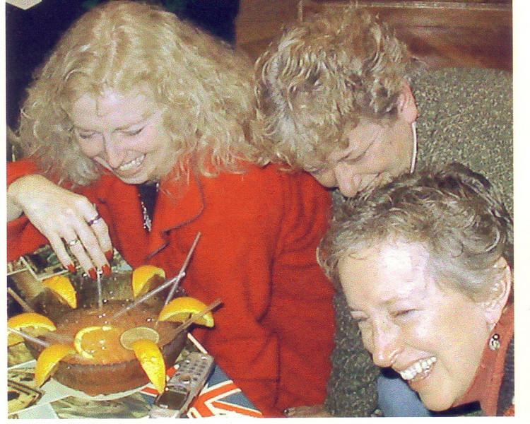Lynn, Laurie, & Beth at Leah's w/Scorpion