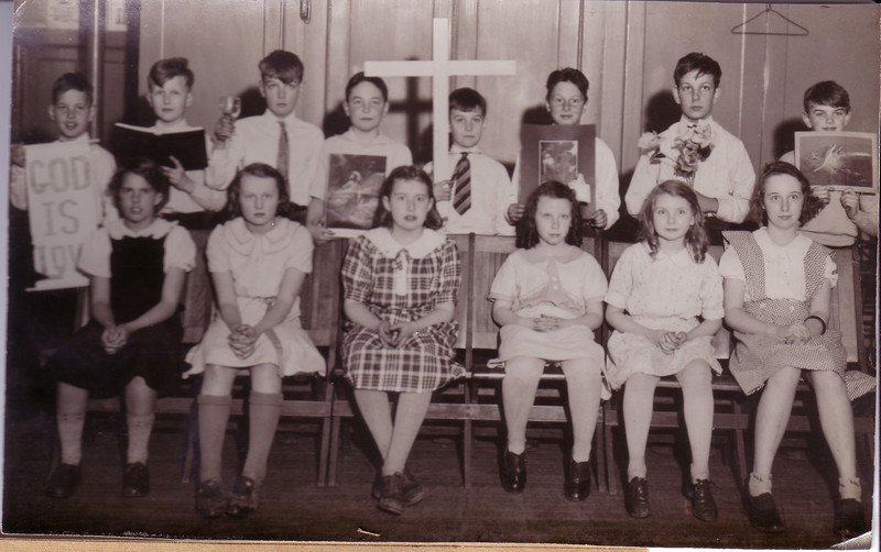 1st Presbyterian Church Sunday School Class--list of names in photo before but, Kenny Nicholson 3rd from left in back, Jean Nicholson 3rd from right in front and El on the end at the right