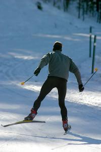 Rich skate skiing.