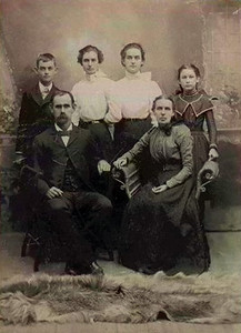 DODSON FAMILY PORTRAIT And another son of William Pinckney Dodson. This is Jesse Pinckney and Emma Campsey Dodson, with son Carl and daughters Alma, Lilly May, and Jessie Arta
