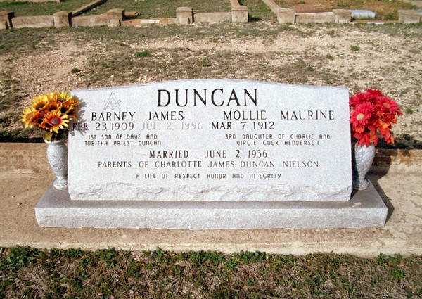 DUNCAN, BARNEY JAMES and MOLLIE MAURINE (HENDERSON)<br /> Copperas Cove Cemetery, Copperas Cove, Texas