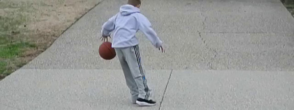Dusty playing basketball in slow motion