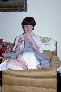 1970-12 - Jo & sweater