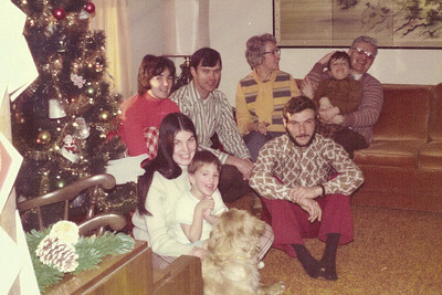 1974-01-07 - Front: Debbie Beatty with Jefffrey, David Beatty; back: Jo, Dwaine, Grandma Opal, Grandpa John holding Randy