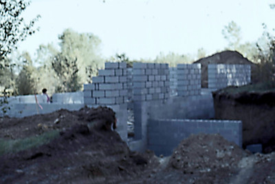 1974-10 - Block walls from SW corner