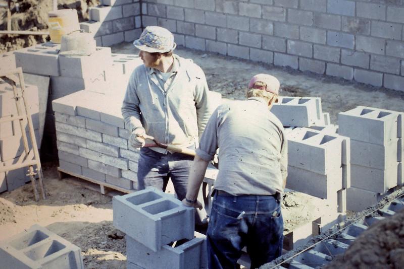 1974-10 - Block layers