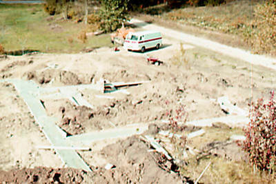 1974-09 - Footings seen from SW corner