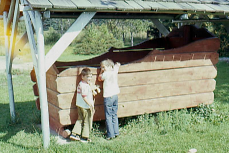 1974-09 - Paul Bunyan's cradle - Jeff & Randy