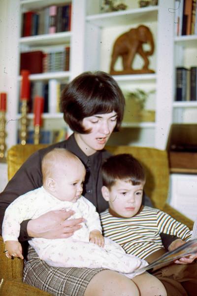 1969-12 - Christmas photo - Jeff Jo Randy