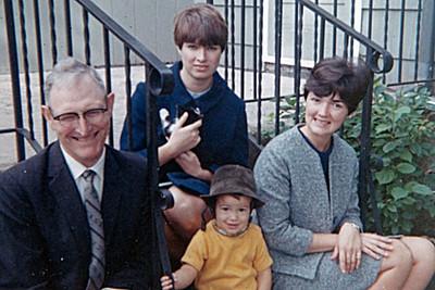 1968-10 - Gpa Dick, Milly, Randy, Jo