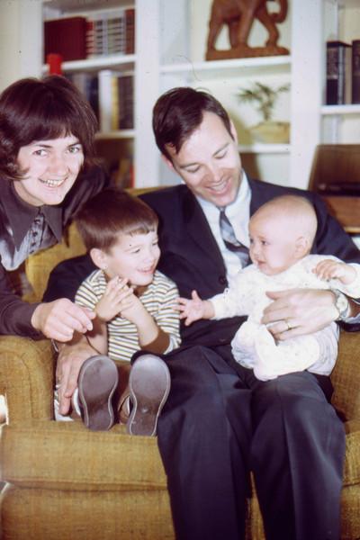 1969-12 - Christmas photo - Jo Randy Dwaine Jeff
