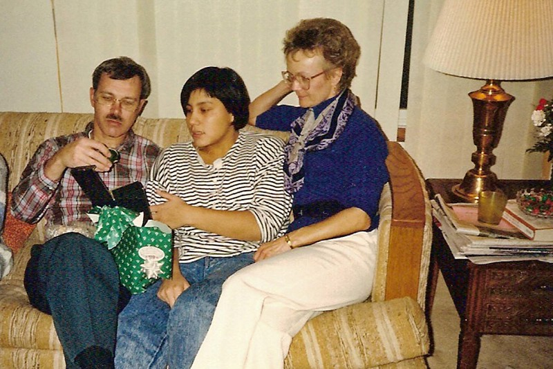 Dwaine, Charlotte and Vadis<br /> Thanksgiving - Nov. 24, 1988