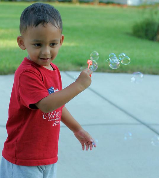 Blowing bubbles (84754838)