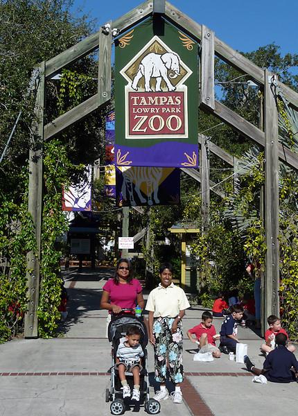 At the zoo (89471130)