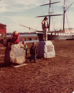 Dec 1978, visiting Salem with cousins Mojo and Djuna.