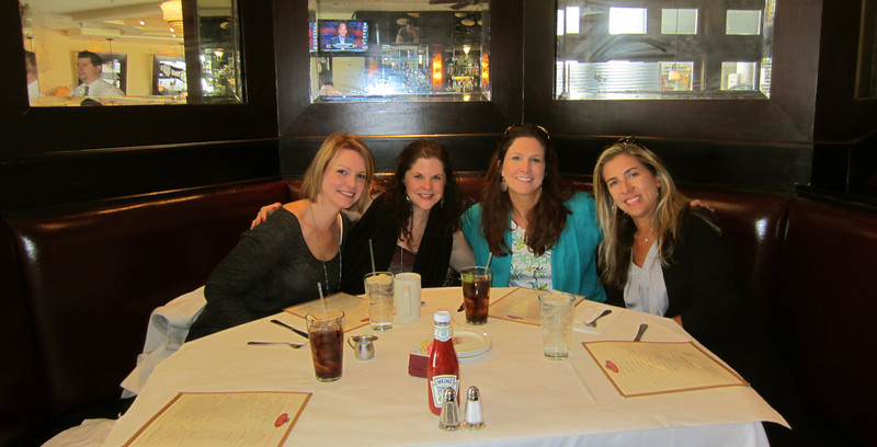 Lunch with the girls at Cafe Deluxe: Roxanne, Sarah, me & Mariana.
