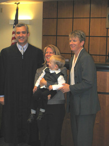 "THE MINUTE AFTER -- Judge Hardy talked about how much of his day is spent ""deconstructing"" families before happily awarding joint custody of Eddie to both Jean and Staci."
