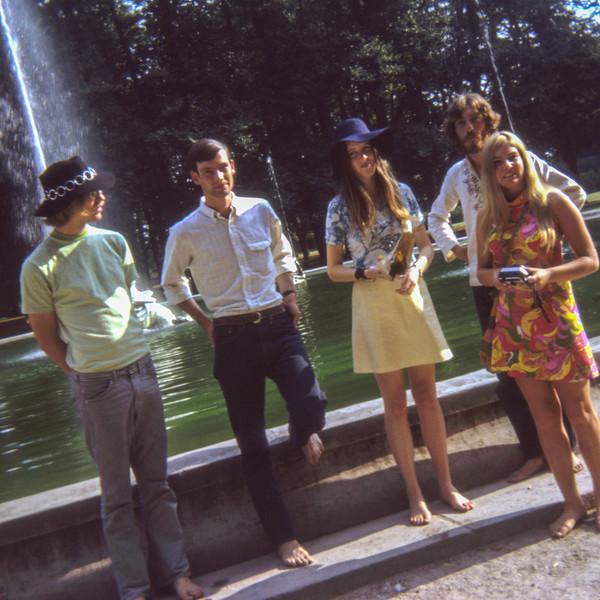 The shoeless Fountain Gang