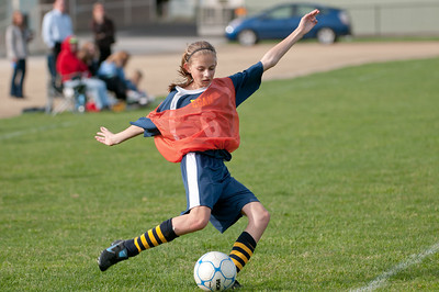 r2-Egan-Soccer-20110316165604_5601
