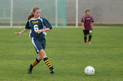 r2-Egan-Soccer-20110315165044_5258