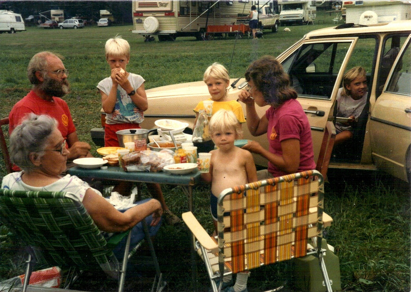 1985 - Family at Rough and Tumble