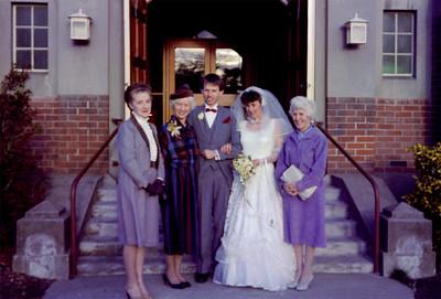 1985 54 Julie, Pat, Peter, Rob & Eileen NET