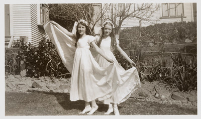 1939 Eileen and Patricia Maylen NET