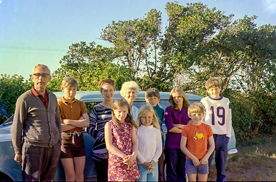 1970 Frank & Julie Anderson, Eileen, Peter, Jan, Anne & Kevin a NEG NET