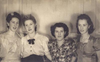 1950 _ Julie, Eileen and Pat NET