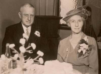 1951 Pat and Ray Mathews wedding - John and May Maylen NET