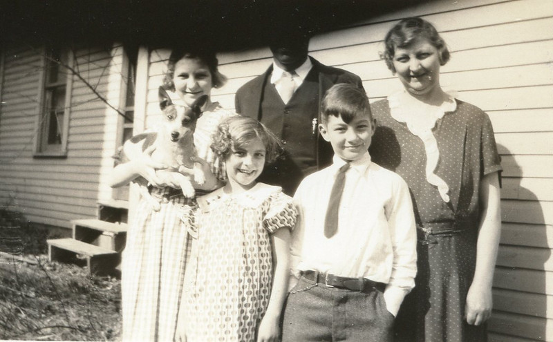 1930s-eleanorwholefamily1