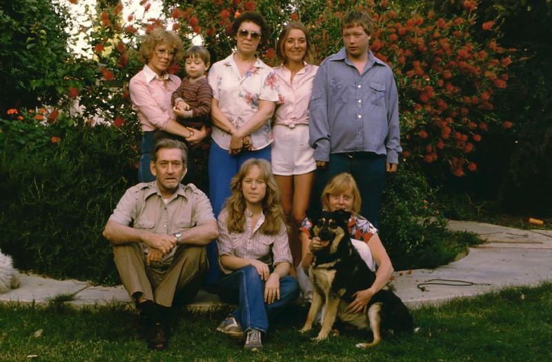 Family Group May 1985075