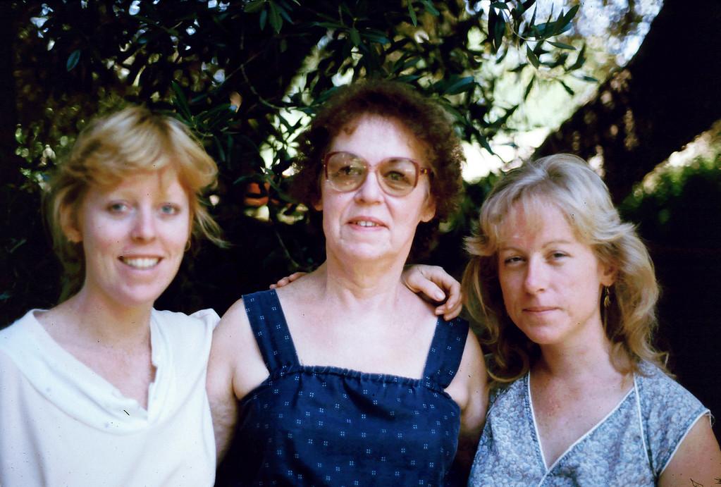 Lisa, Eleanor and Sharon in El Cajon, 1985