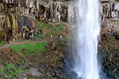 Can walk behind water fall