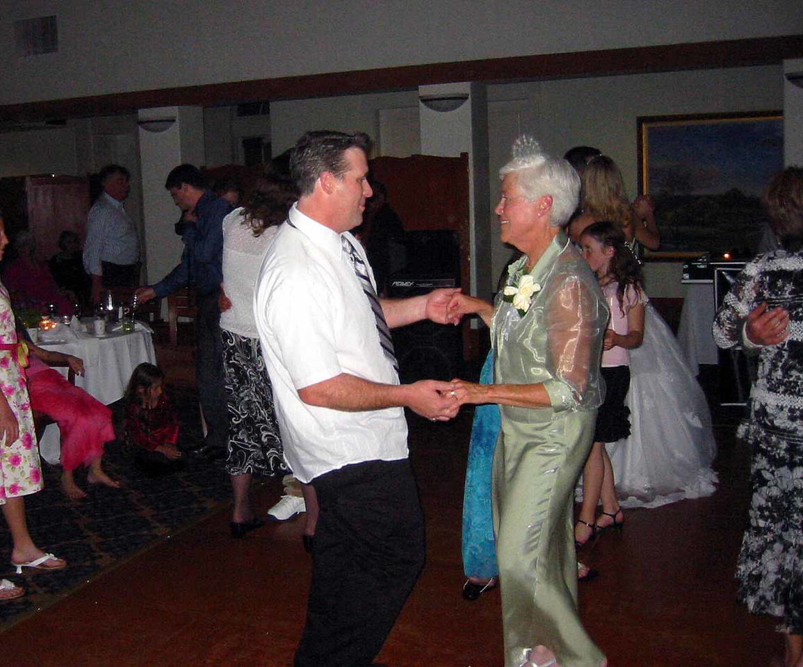 Eric:Heather Wed2005 81