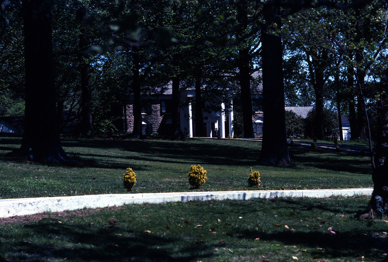 Graceland - April 8, 1977.  The public was not yet allowed inside.