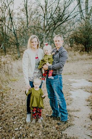 00009--©ADHphotography2018--MattKelseyEsch--Family--November4